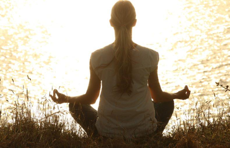 méditation_pleine_ conscience_natureAZ